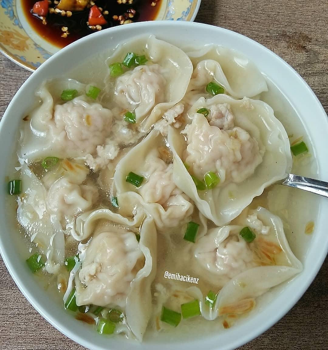 Sup pangsit ayam