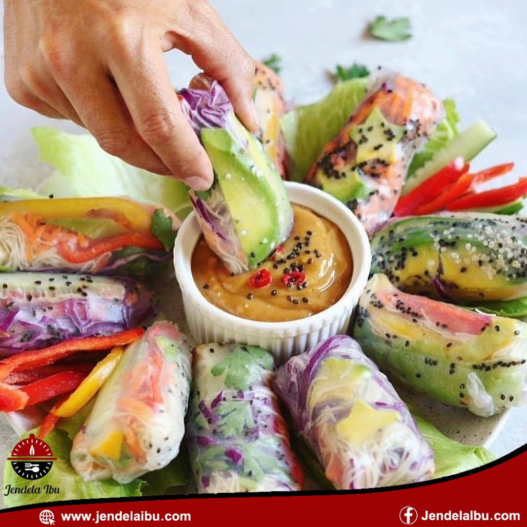 saus salad roll